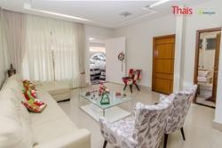 Casa à venda QE 36 Conjunto B   Belíssima Casa com 05 quartos sendo 04 suítes, 03 vagas de garagem, cozinha com armários à venda, Gu