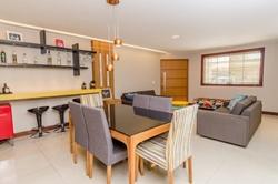 Casa à venda QE 17 Conjunto N   Casa com 04 quartos sendo 01 suíte, 02 vagas de garagem à venda, Guará II - Guará/DF
