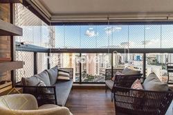 Apartamento à venda Quadra 207  , Refinatto Andar alto, nascente, vista livre, lindamente reformado, prédio novo. 3 vagas de garagem