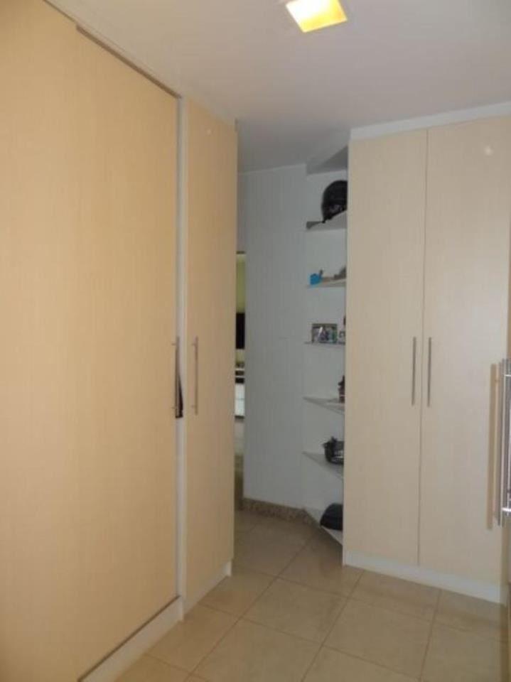 074 - Closet Suite Master 30/32