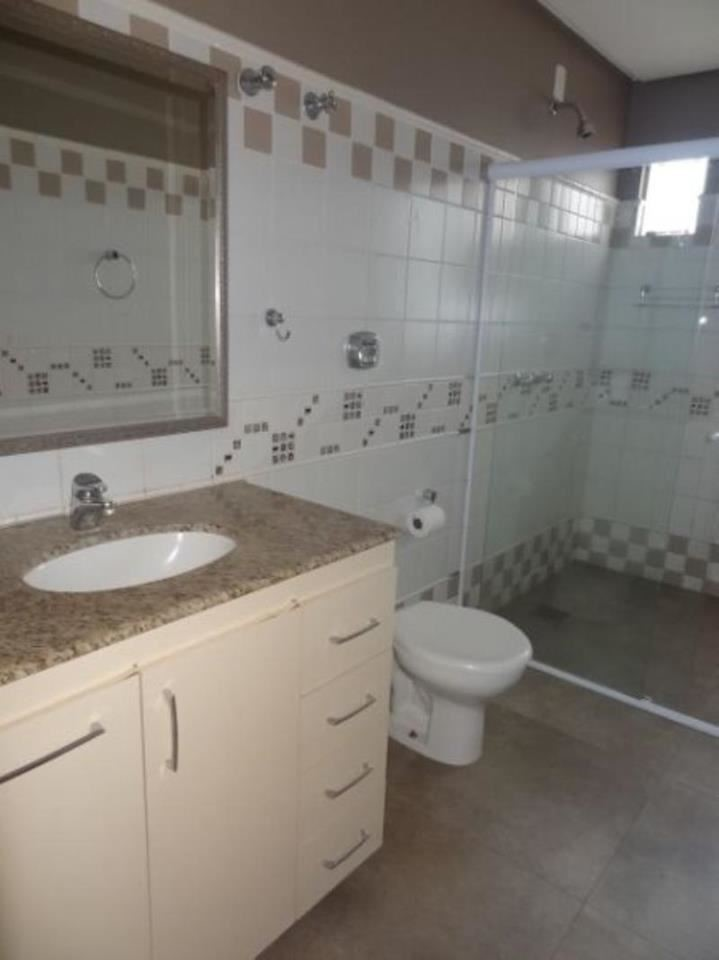 071 - Banheiro Social 24/32